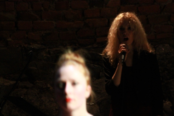 Sanna Ruohoniemi Trio with dancer Tove Brunberg Photo: Sami Tainio